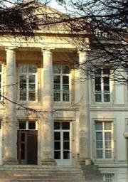 Logo représentant Hostellerie de la quenoeuille - chateau de ledquent
